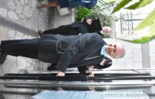 Mgr Jean-Yves Nanmias ferme la porte de la chapelle Sainte Bathilde