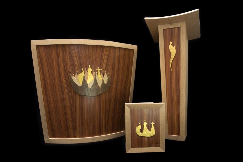 Autel, ambon et tabernacle réalisés par Bruno de Maistre