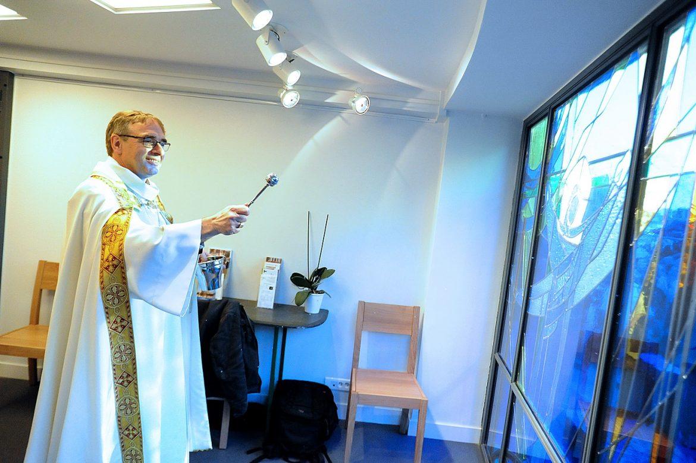 Bénédiction du vitrail de Saint-Bernard