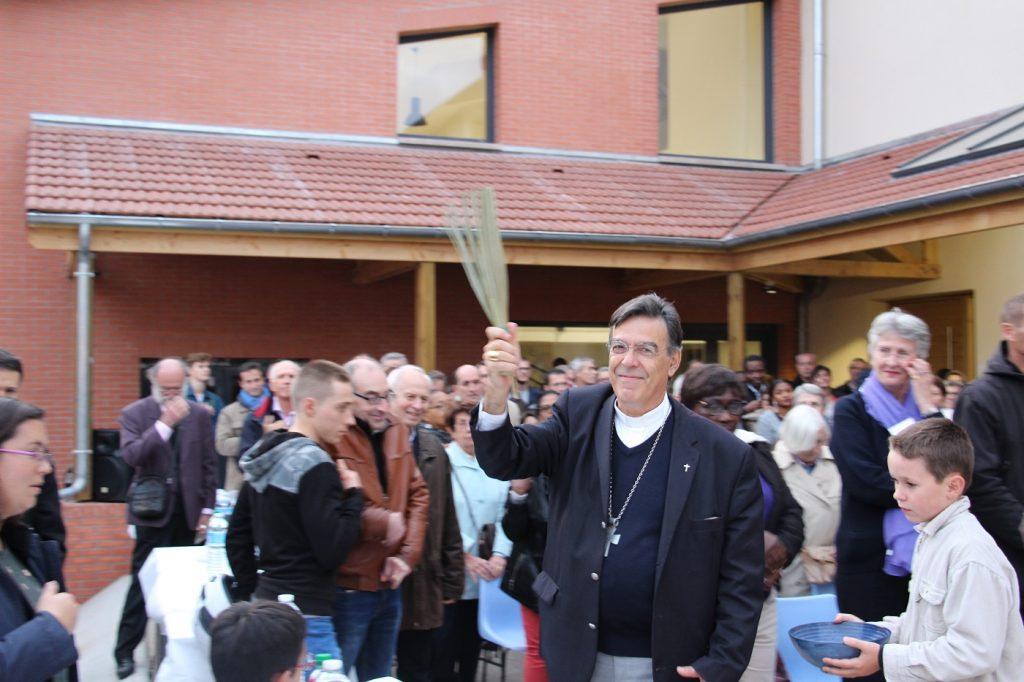 Bénédiction du centre par Mgr Michel Aupetit