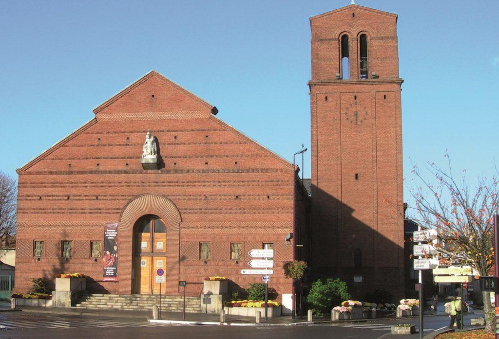 Façade Notre-Dame-du-Calvaire à Chatillon
