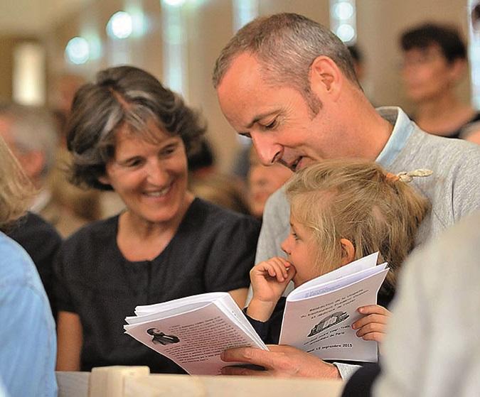 Famille lors de l'inauguration de la maison Ozanam