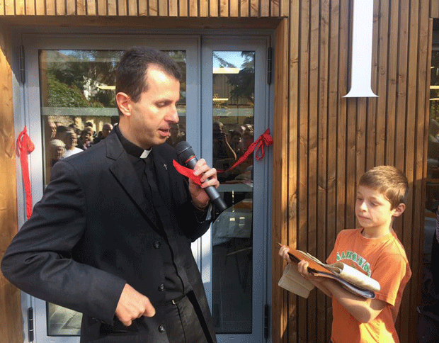 Bénédiction salle-paroisse-verneuil