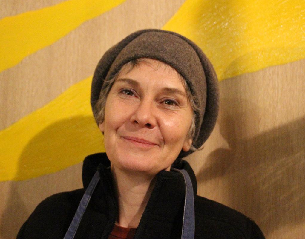 Anne Bernot est la plasticienne en charge du nouveau mobilier liturgique.