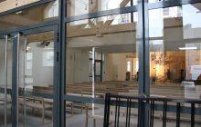 Un sas d'entrée a été créé dans la nouvelle partie de l'église.