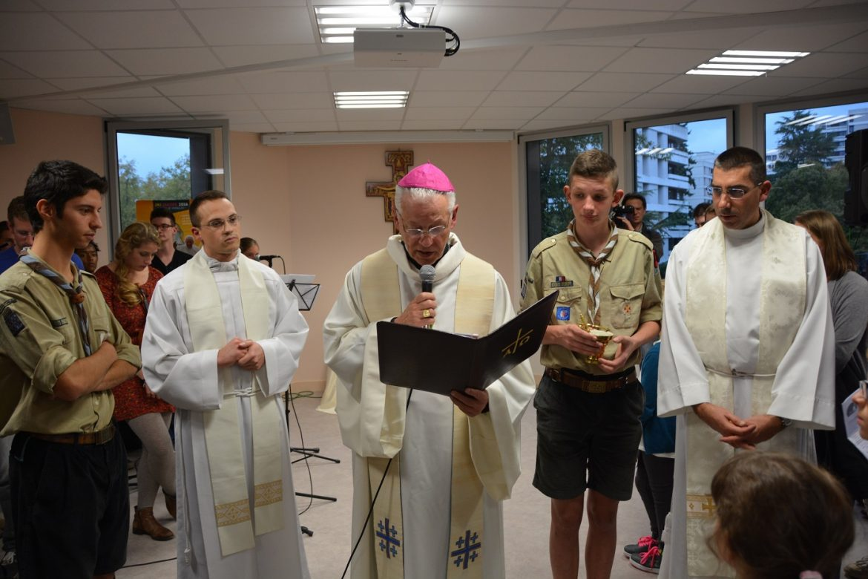 Bénédiction Mgr Aumonier Maison Jean-Paul-II