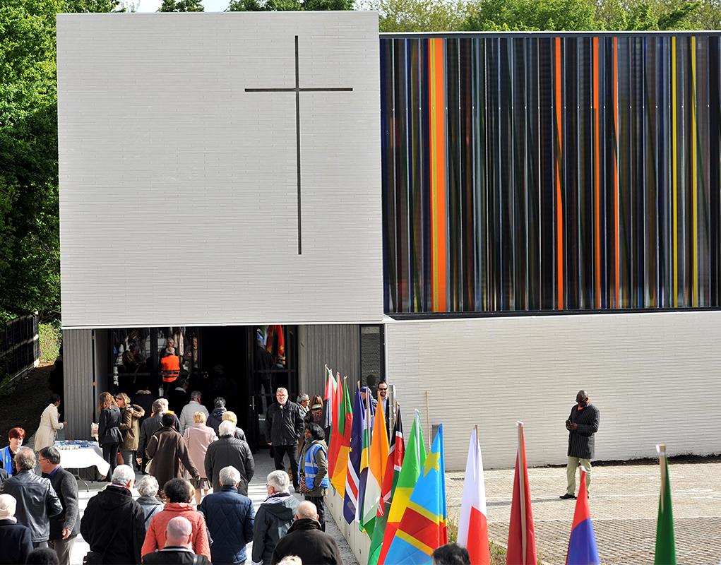 5 mai 2019, les paroissiens se pressent pour laconsécration de l'église Saint-Joseph Montigny-lès-Cormeilles.