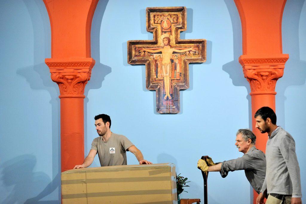 Installation du nouvel autel