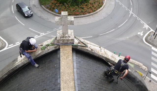 Sur le toit de l'église Saint-Stanislas-des-Blagis