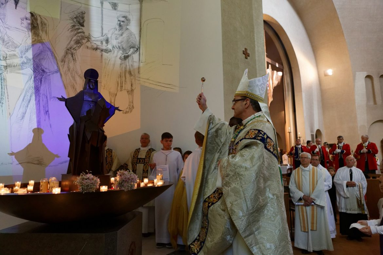 Bénédiction des chapelles par Mgr Thibault Verny, le 9 octobre 2016.