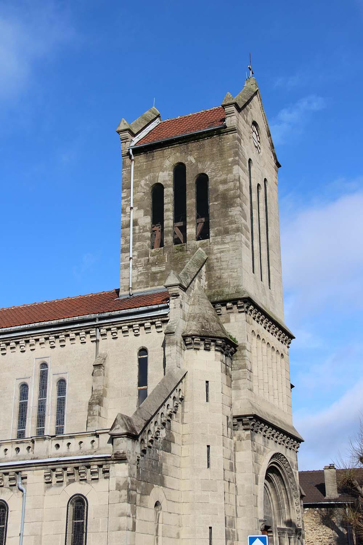 Une réfection complète de la toiture du clocher est nécessaire.