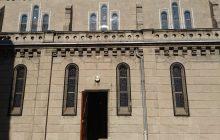 La façade sud est la plus exposée aux intempéries.