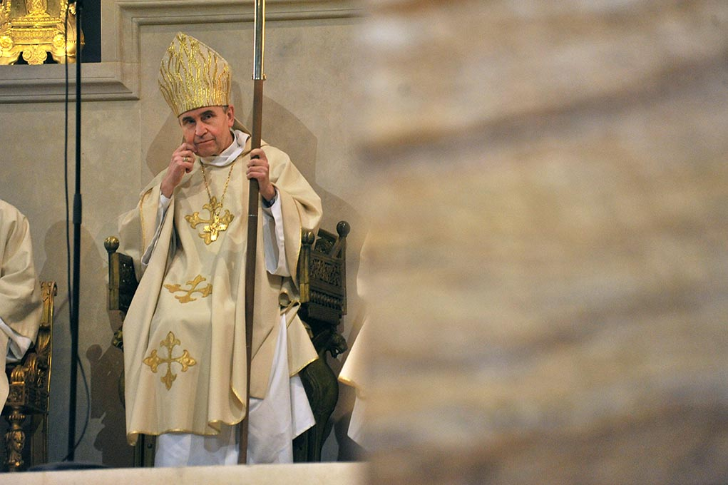 14 janvier 2018, Mgr Pascal Delannoy préside la consécration du nouvel autel de la basilique cathédrale de Saint-Denis.