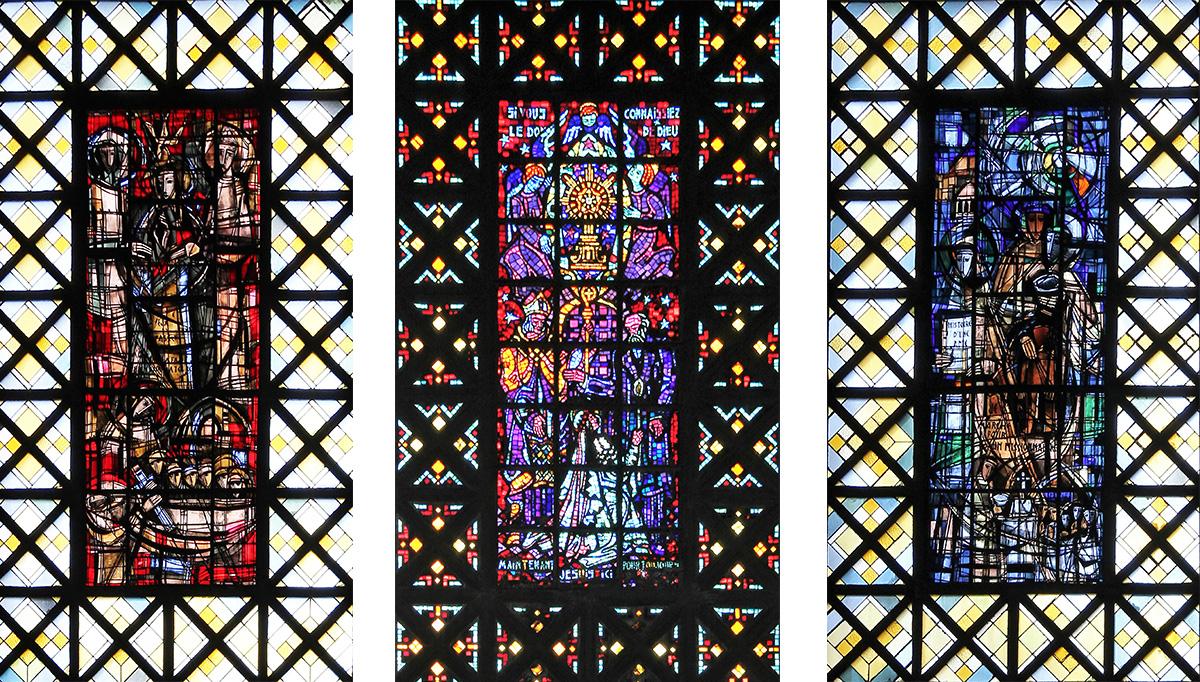 Trois de grand vitraux de l'église de Boulogne-Billancourt