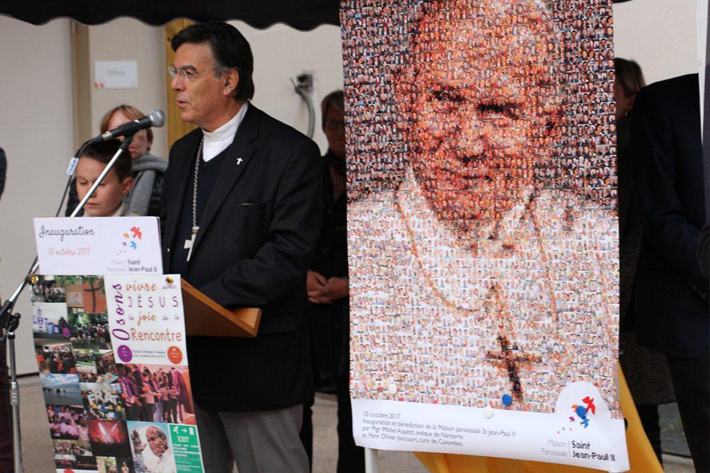 Mgr Michel Aupetit inaugure le centre paroissial Saint Jean-Paul II