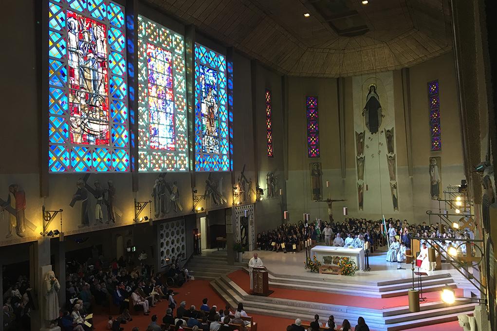 Visite de l'église Sainte-Thérèse à Boulogne-Billancourt