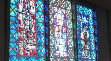 Ste Thérèse à Boulogne : les paroissiens investis pour la rénovation des vitraux