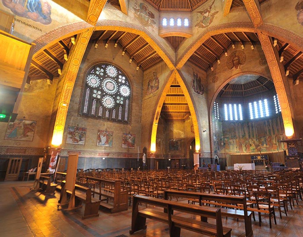 Décor intérieur de l'église Saint-Louis
