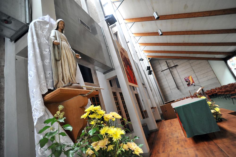 Intérieur de l'église Sainte-Marie-des-Peuples à Cergy