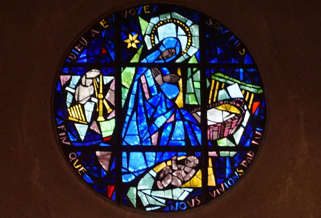 Vitrail de l'église Sainte-Thérèse-de-L'Enfant-Jésus à Boulogne-Billancourt (Hauts-de-Seine)