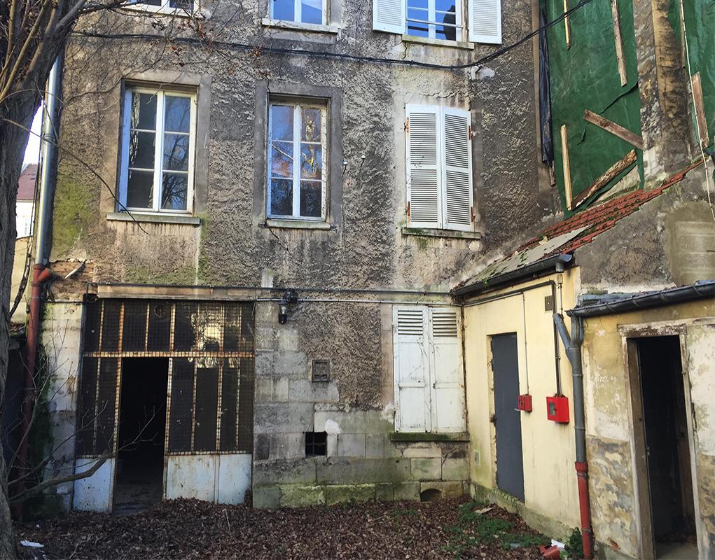 Une partie de l'immeuble (le rez-de-chaussée) sera réhabilitée et dédiée à la maison paroissiale. Les étages seront utilisés pour des logements.