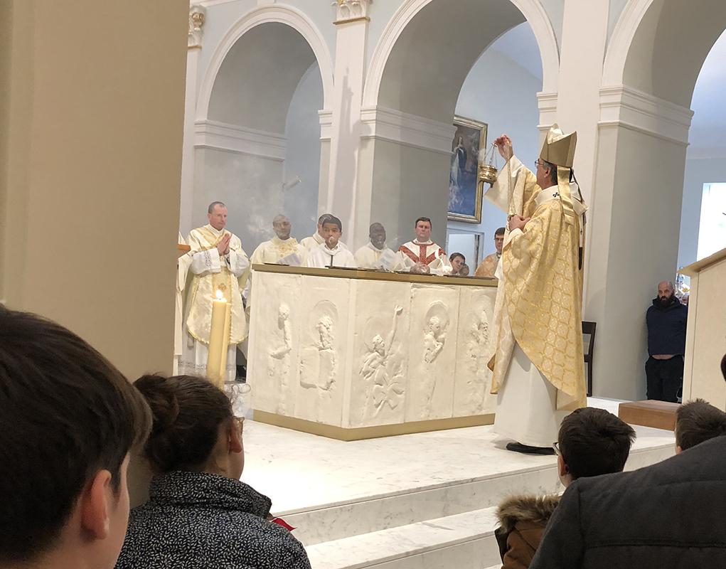 Paris : consécration de l'autel à Notre-Dame-de-l'Assomption de Passy
