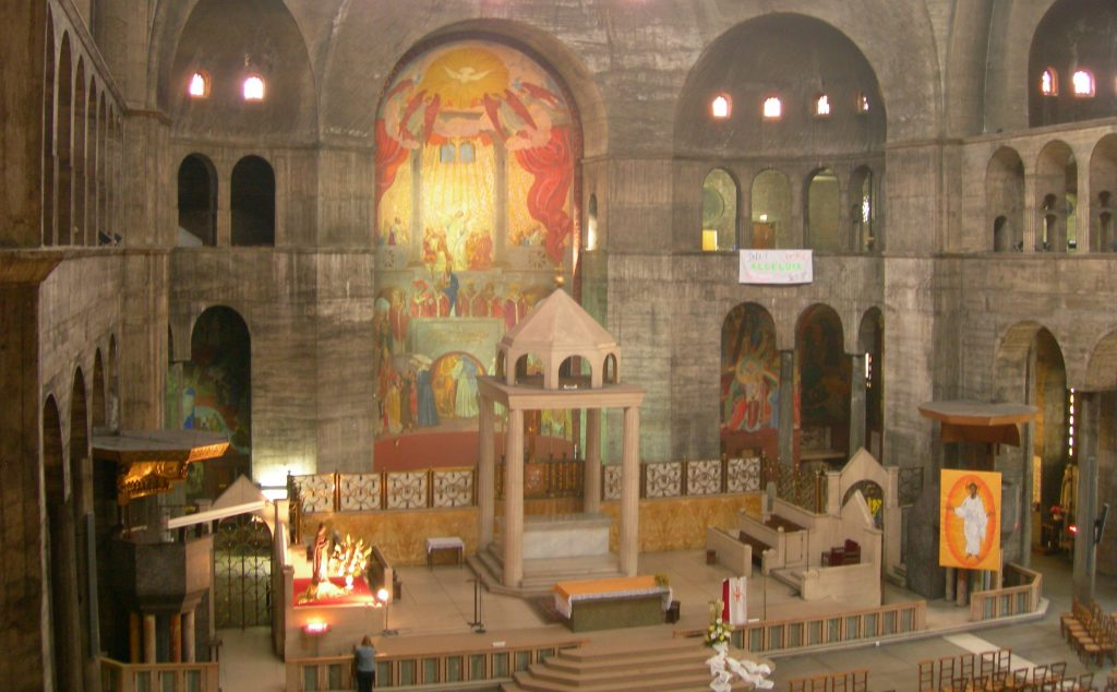 Paul Tournon, un architecte des chantiers du cardinal, dessine l'eglise du Saint Esprit à Paris