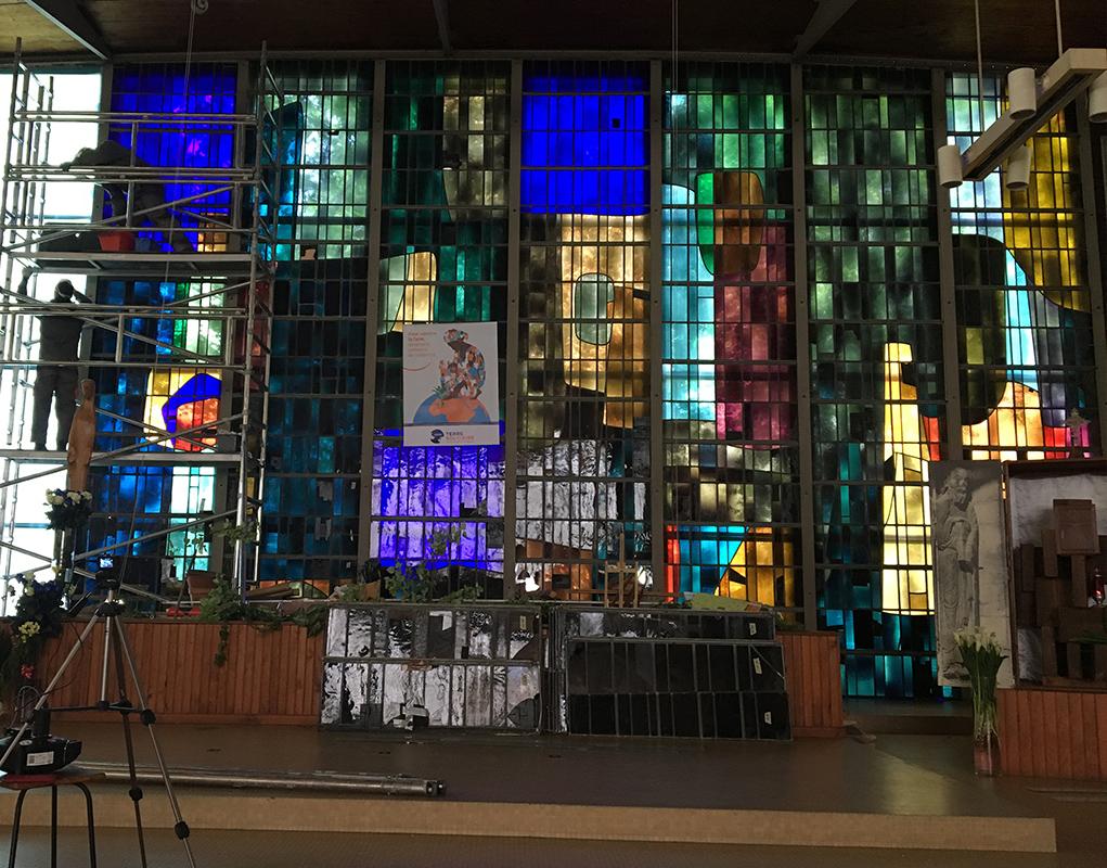 Restauration du mur vitrail de Saint-Paul à l'Haÿ-les-Roses