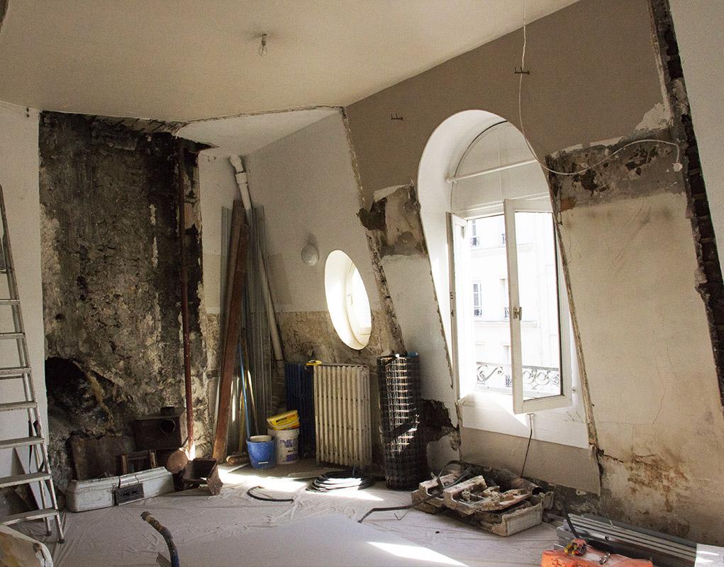 L'une des trois chambres d'étudiants au dernier étage, en cours de rénovation.