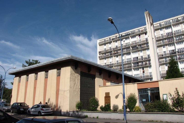 Le centre paroissial Saint-Martin au coeur des grands ensembles d'Orly.
