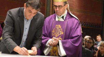 Monseigneur Matthieu Rougé a dédicacé le nouvel autel de l'église Notre-Dame