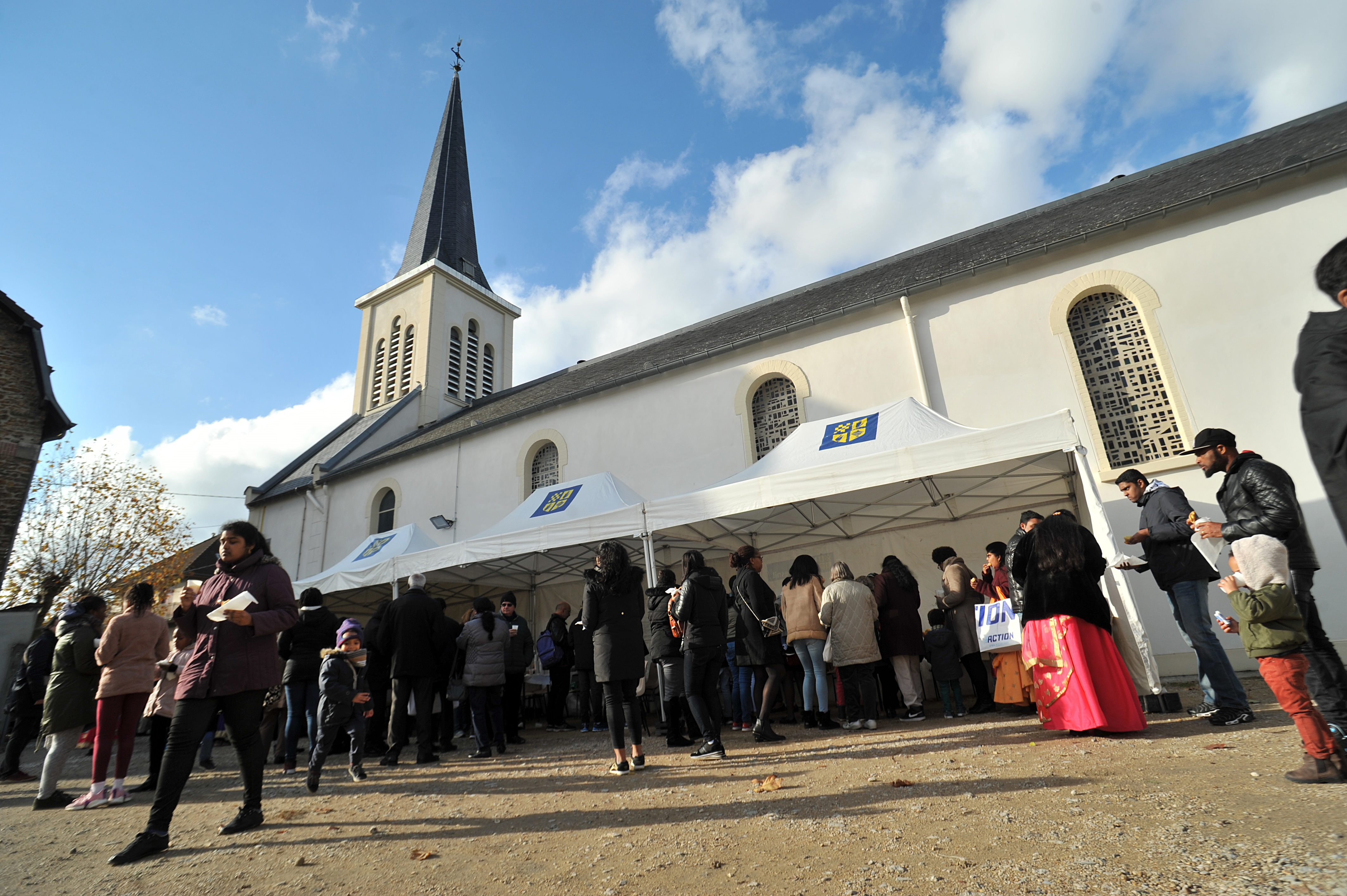 L'église du Blanc-Mesnil récemment restaurée avec le soutien des Chantiers du Cardinal.