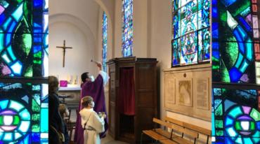 Colombes (92) : bénédiction des vitraux de l'église Sainte-Marie