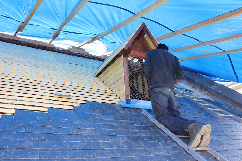 ardoises sur le toit de l'église ND Alfortville